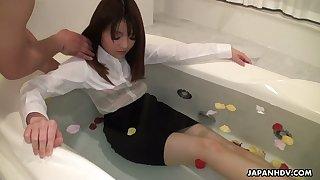 Several vibrators attack pussy of naughty bitch Kimoko Tsuji