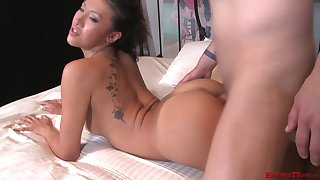 Blonde MILF Jayden Lee gets her round ass pounded doggy style