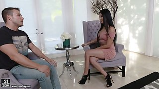 Asian whore Jade Luv provides her client with an unforgettable sex