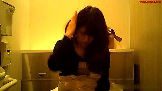 China girl toilet spy cam