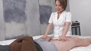 Instead of massage Japanese  therapeust gets a hard client's dick