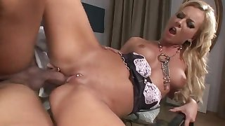 Skinny maid Angelina Love grinds dong everywhere eaten away cunt